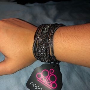 Black Beaded Snap Bracelet